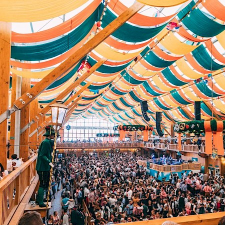 Atmosphere on multiple levels in the colorful Schützen festival tent