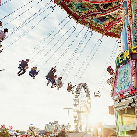 Only flying is more lovely! The swing carousel